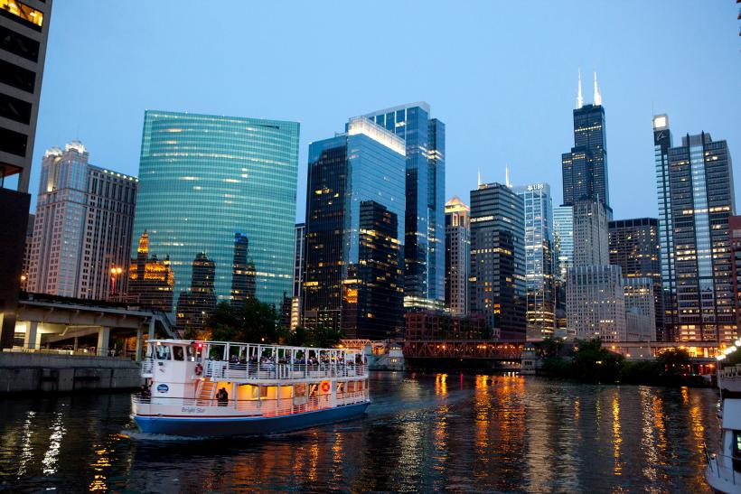 shoreline sightseeing & charters | the magnificent mile