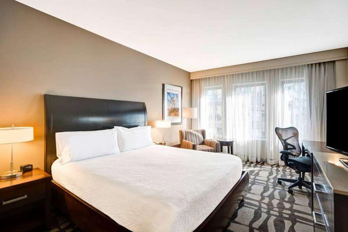 Hilton Garden Inn Chicago Downtown Magnificent Mile Hotel