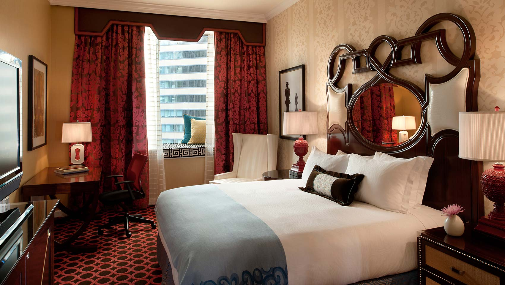 Hotel Candy Hall Holiday Deals Offers Lights Festival The Magnificent Mile