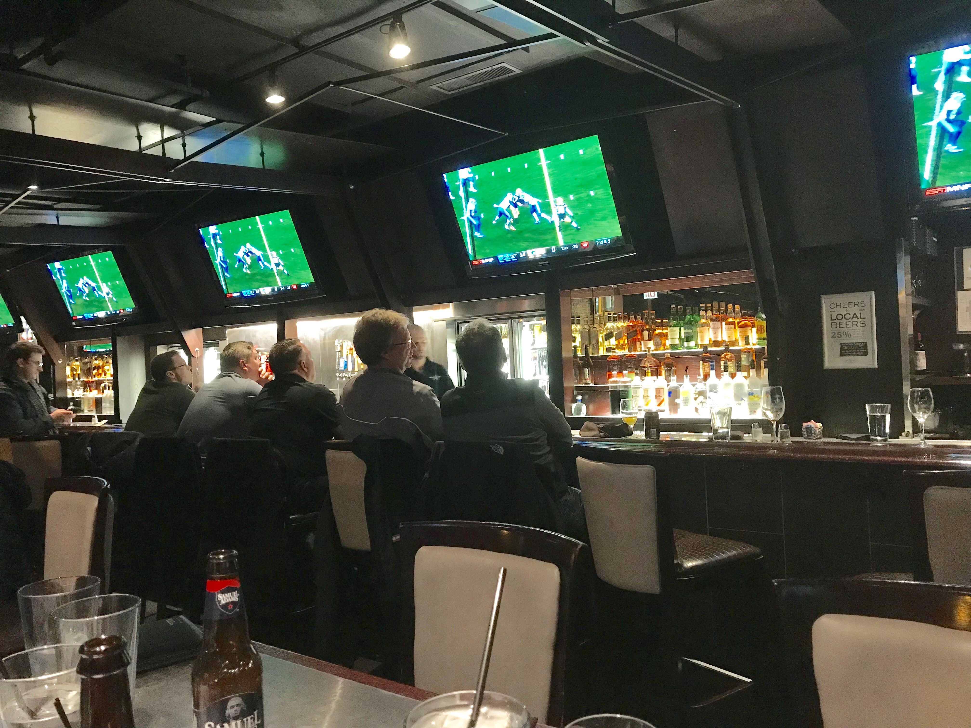 Best Sports Bars in Downtown Chicago